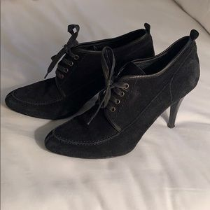 Jcrew black suede and leather lace up booties sz8